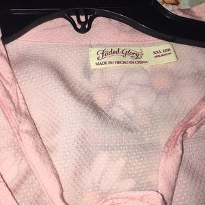 NWT v neck with tie Business Pretty in pink